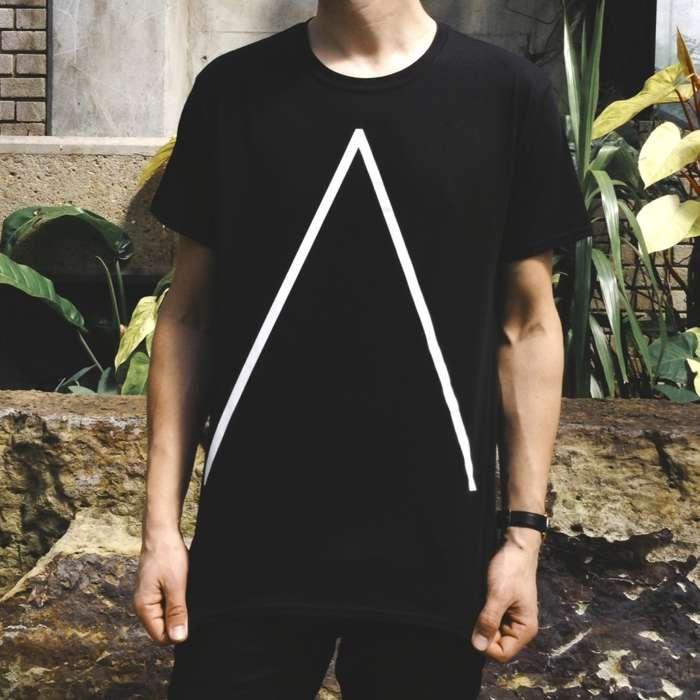 'Λ' T-Shirt [Black] - Alpines