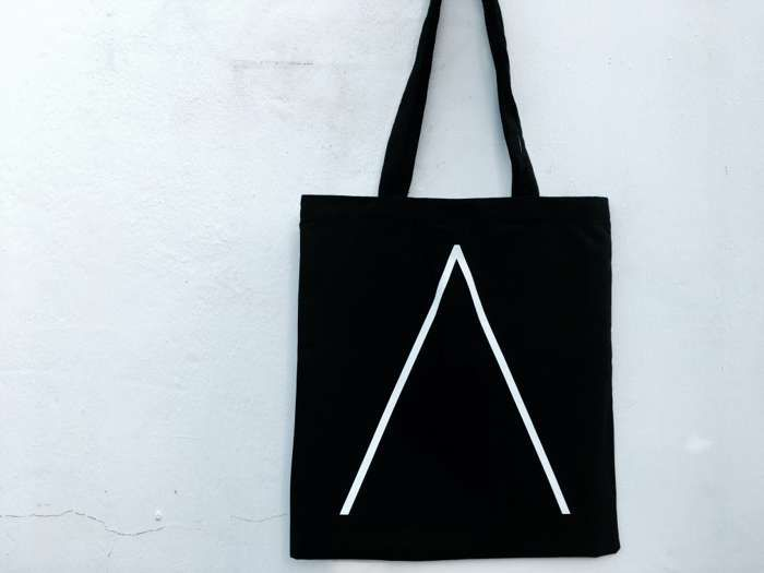 'Λ' Tote Bag [Black] - Alpines
