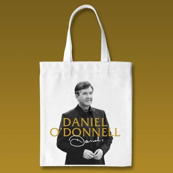*New In* Daniel 'Signature' Tote Bag - Daniel O'Donnell US