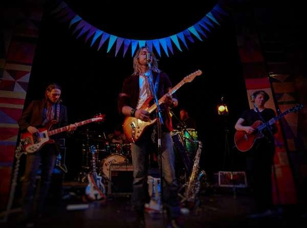 Rise above - Darren Jones and the World Music Band