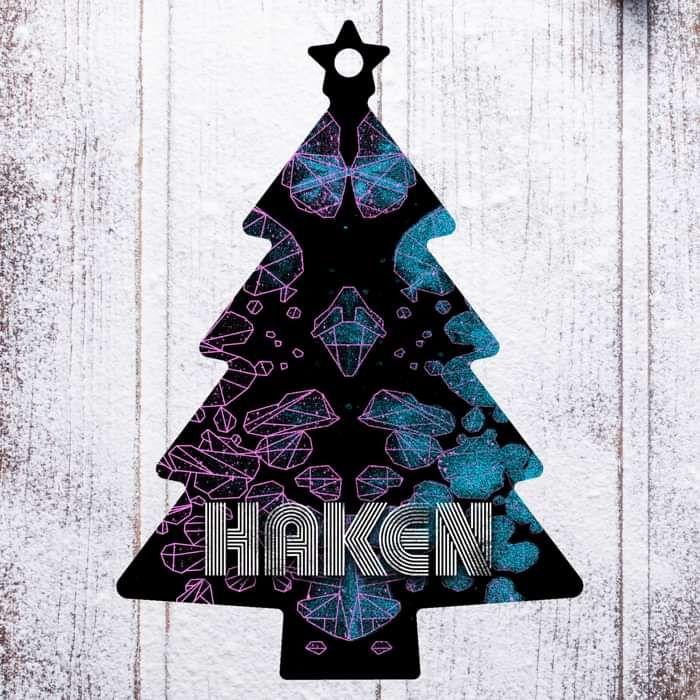 Haken - 'Tree' Wooden Christmas Decoration - Haken US