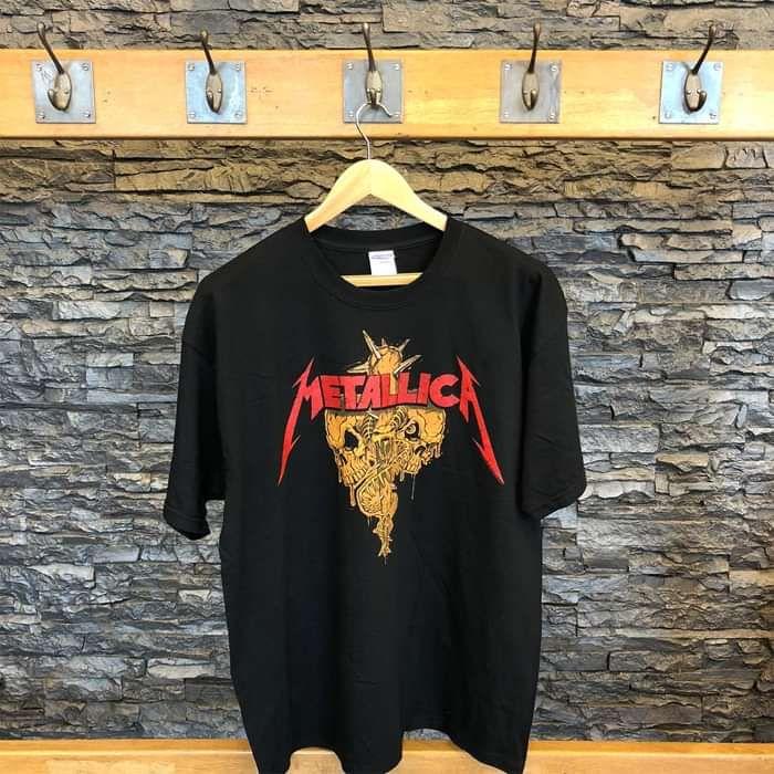 Fang Face - Black Tee - Metallica