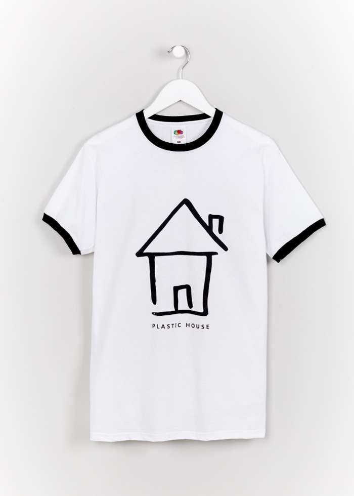BLACK ON WHITE LOGO TEE - Plastic House