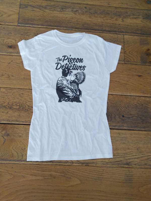 Kissing T-Shirt - White - The Pigeon Detectives