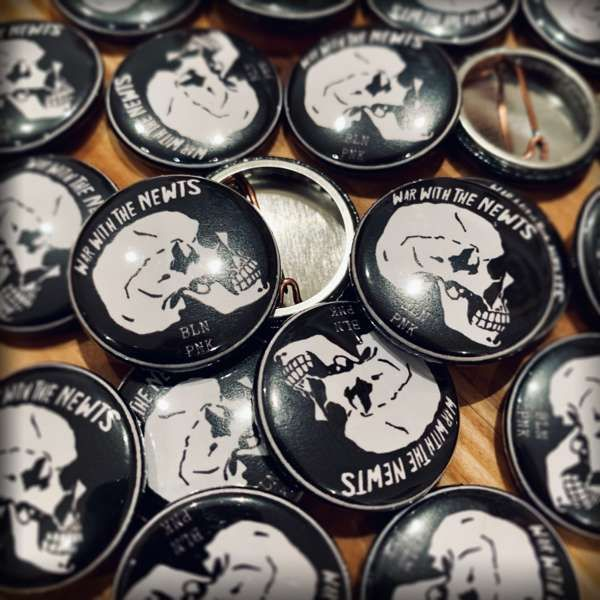 "Button ""BLN PNK"" - War with the Newts"